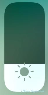 iOS11_コントロールセンター画面_画面照度操作アイコン